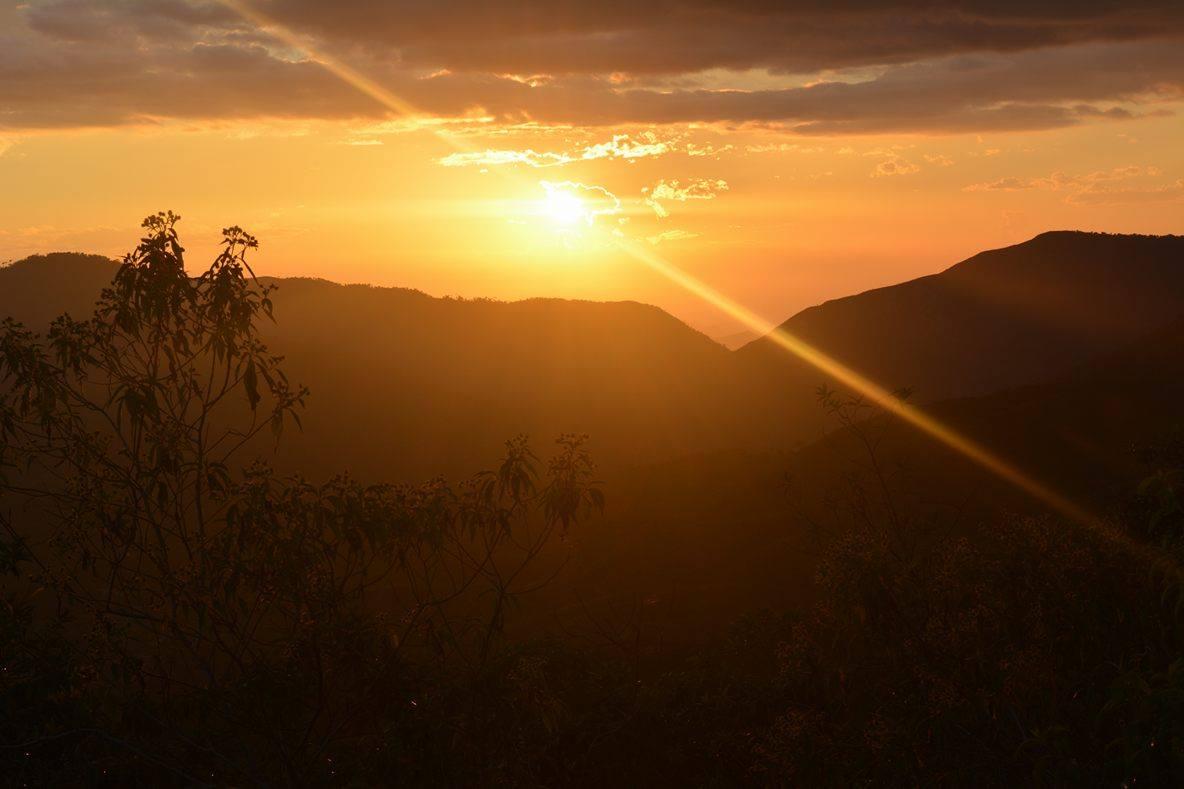 Anochecer-en-la-Sierra.-Foto-Guney-Maku